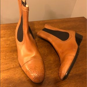 Unworn Tods Italian ankle boots